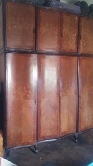 Ropero antiguo de estilo frances