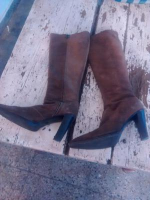 Vendo botas d mujer talle 38