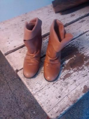 Vendo botas de cuero talle 38 para mujer