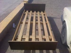 Vendo cama de una plaza en muy buen estado