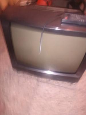 Vendo tv philco 21 con control a reparar