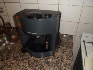 CAFETERA EXPRESS PHILIPS - MODELO EXPRESSO GUSTO - IMPECABLE