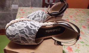 Vendo nuevas!! Sandalitas de nenas