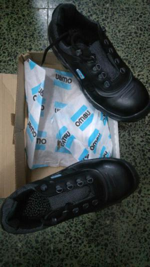 Vendo zapatos de trabajo Ombú nuevos!
