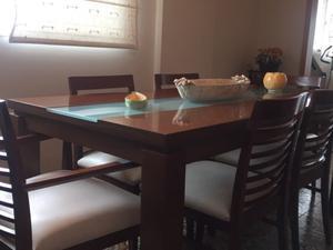 Mesa de comedor más sillas y baiut