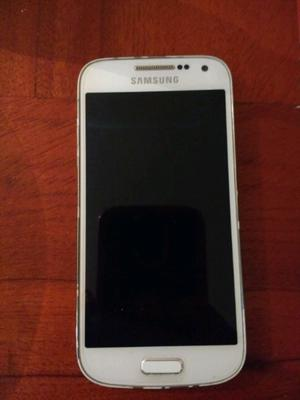 Samsung s4 mini no prende, sirve para repuesto.