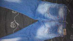 Jeans rotoso y nevado tiro alto talle 42
