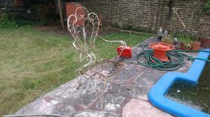 Juego de jardin de hierro para reciclar. Escucho ofertas.