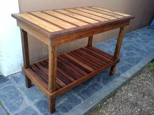 Mesa de arrime de madera