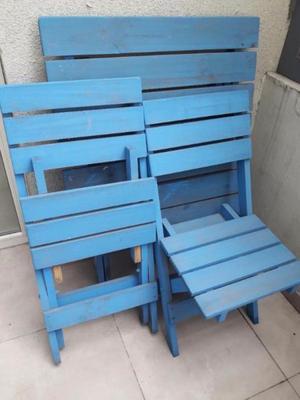 Mesa y sillas de pino