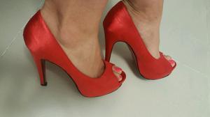 Zapatos de fiesta en raso rojo nro 39