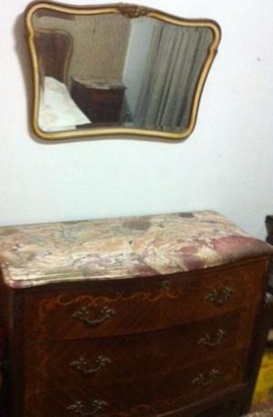 Cómoda y espejo Luis XV, con mármol.