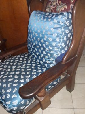dos sillones algarrobo juntos o separados