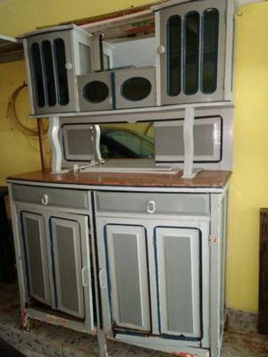 Mueble aparador vajillero con mármol