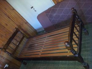 2 camas + dos mesas de luz
