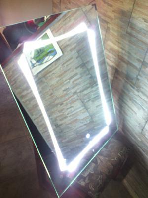 Espejo con LED y desempaneador táctil
