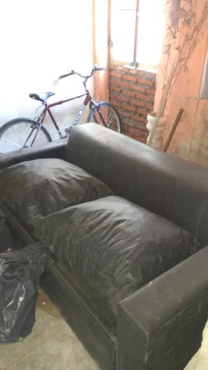 Sofá cama de dos plazas muy bueno