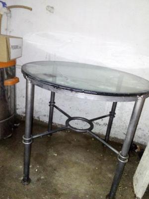 $  mesa de hierro