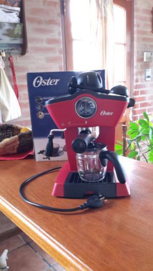 Cafetera de vapor Oster