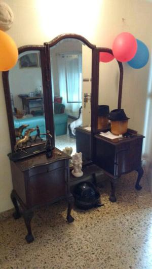 Antiguo vestidor chippendale