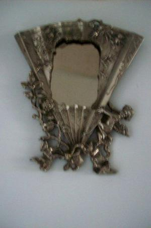 muy antiguo portarretrato de bronce