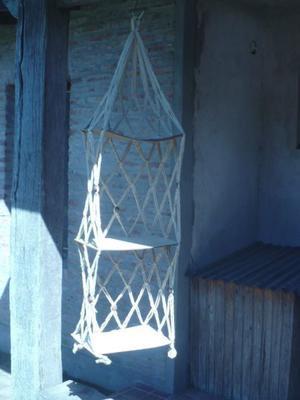 Porta macetas colgante en hilo trenzado. Ideal decoración.