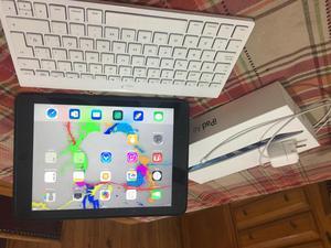 Apple iPad Air 16GB igual a nueva LA PLATA teclado