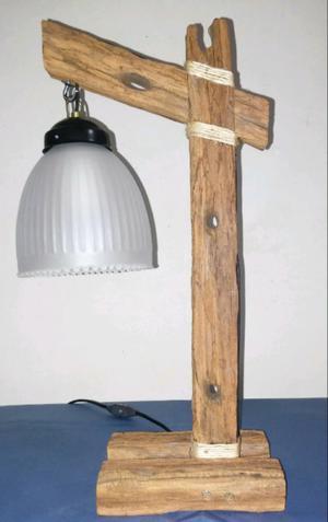 Lámpara de Mesa o Escritorio