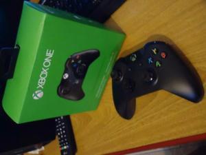 """""""2"""" joystick xbox one originales en caja a $ un mes de"""