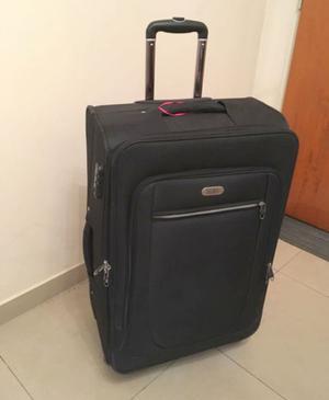 Valija de viaje, marca BRANDY, un uso. $700