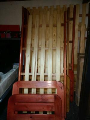 Vendo 2 camas de pino