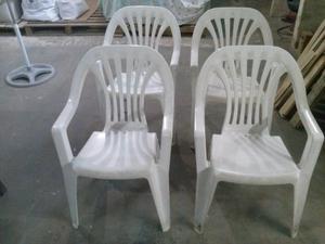 Vendo 4 sillones plásticos en muy buen estado