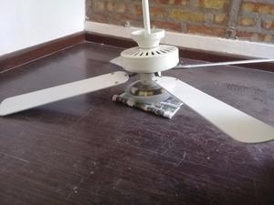 Vendo ventilador de techo con luz