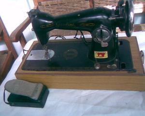 maquina coser reliquia