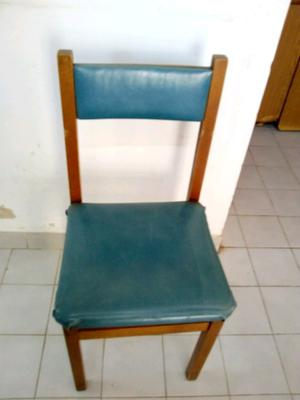 Vendo 6 sillas de madera tapizadas en blanco posot class for Oferta sillas madera