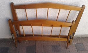 Cama de pino con colchón una plaza $500