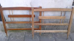 respaldo y piecera de madera antigua