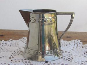 Jarrita lechera de metal plateado