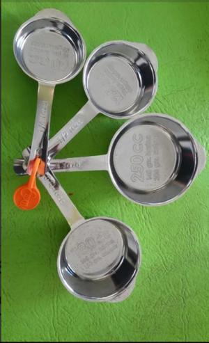 Set essen 4 tazas medidoras nuevas sin uso