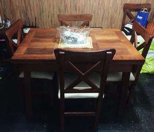 Vendo Juego de Mesa y sillas de algarrobo