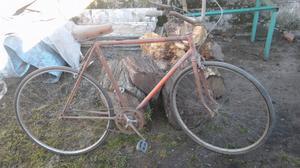 Bici antigua a restaurar
