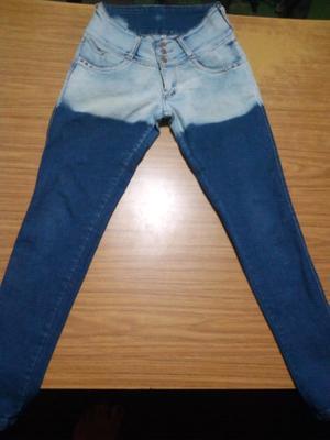 Vendo Jeans 150$talle 40 top$50 y sudadera $50