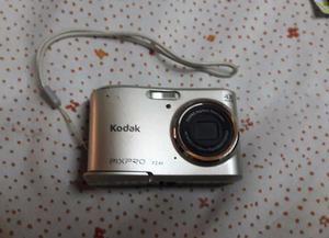 Camara de fotos kodak Pixpro casi sin uso