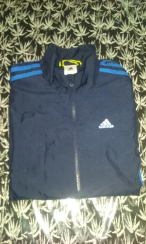 Campera adidas deportiva impecable talle S