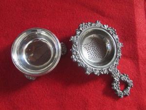 Colador de té labrado