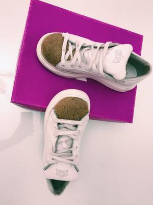Zapatillas Sofía de Grecia. Número 37.