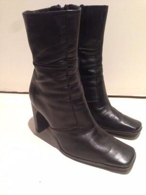 Botas de cuero media pierna con poco uso Talle 38