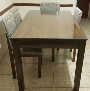 Mesa con seis sillas