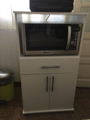 Porta microondas y tv