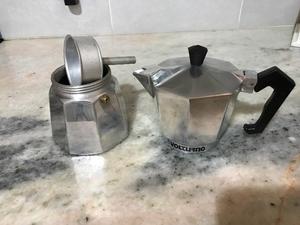 Cafetera Italiana Volturno 6 pocillos casi nueva. Impecable.